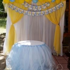 Украса на Кръщене в - синьо и жълто