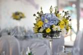 Сватба в дантела и синьо