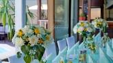 Вази с цветя за маса гости