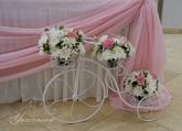 Колело с цветя за булчинска маса на Сватба